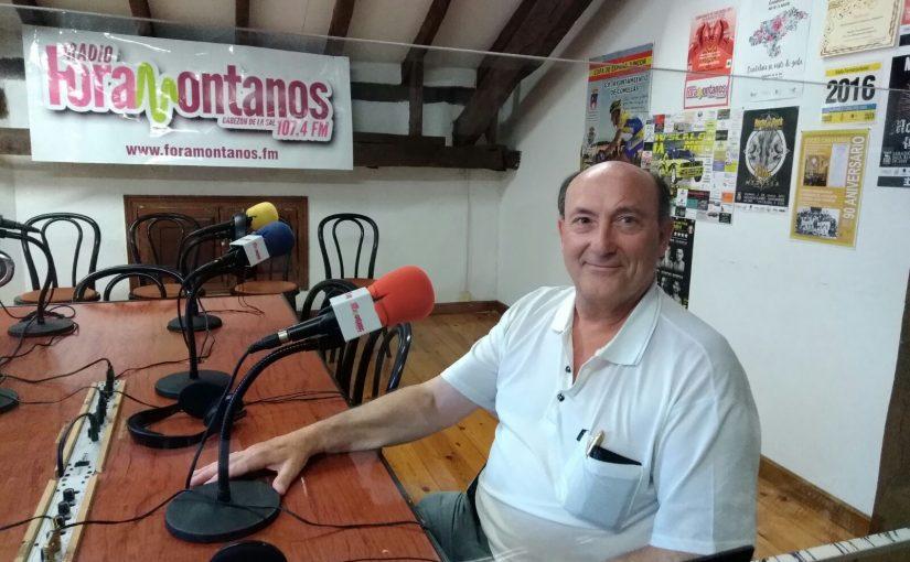 José Hernández Úrculo, que ha escrito un libro sobre quince años de historia de la Coral Voces Cantabras.