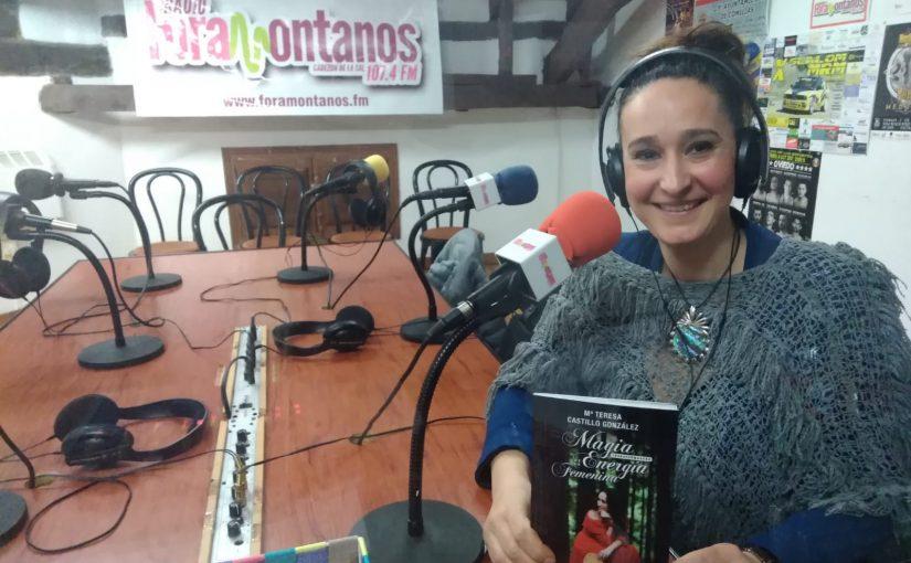 """María Teresa Castillo autora del poemario """"Magia transformadora de la energía femenina"""""""
